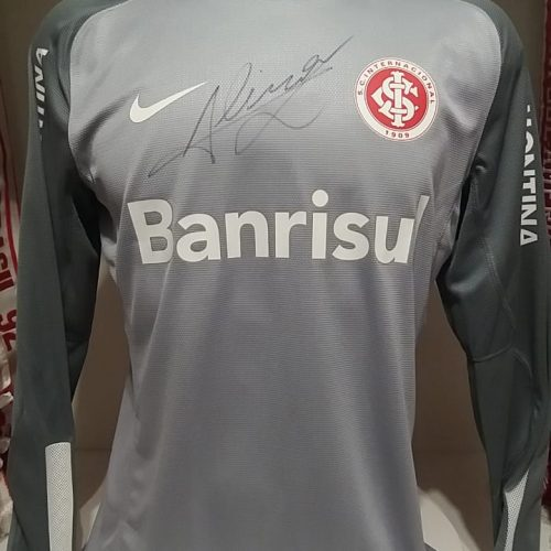 Camisa Internacional Nike 2013 goleiro Alisson autografada mangas longas
