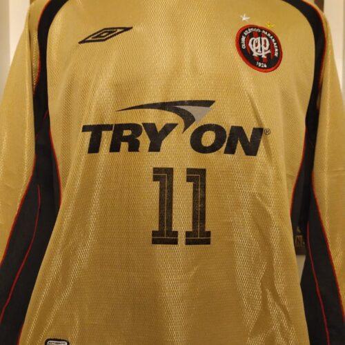 Camisa Athletico Paranaense Umbro 2003 dourada mangas longas