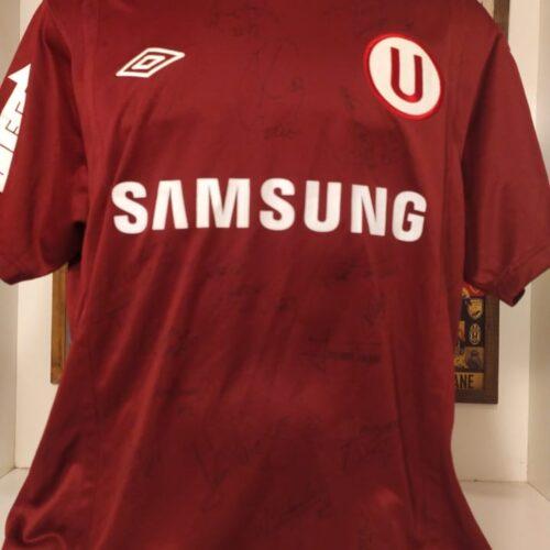 Camisa Universitario – PER Umbro 2010 autografada