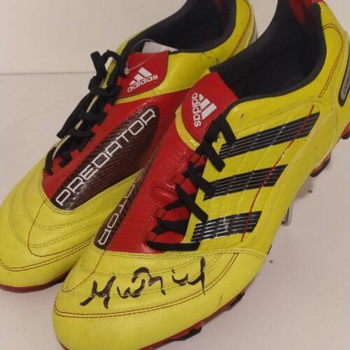 Chuteiras Adidas Predator Absolado Muriel Internacional autografada