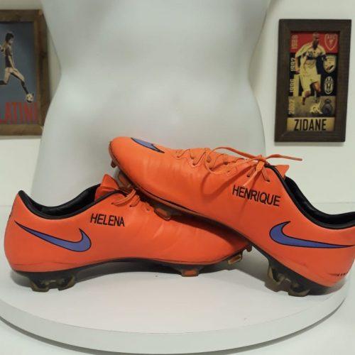 Chuteiras Internacional Nike Nilmar