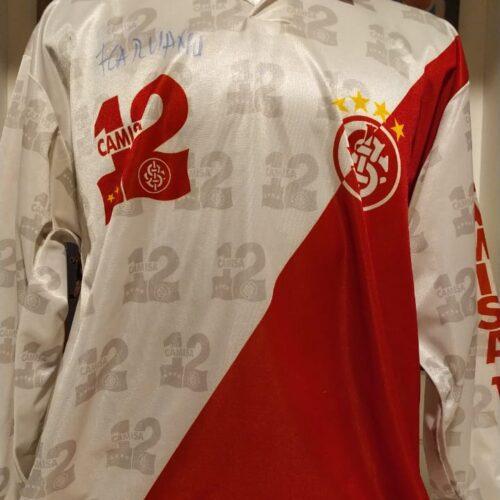 Camisa Internacional Camisa 12 torcida organizada mangas longas autografada
