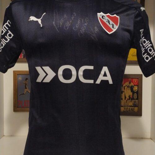 Camisa Independiente Puma 2016 Victor Cuesta autografada