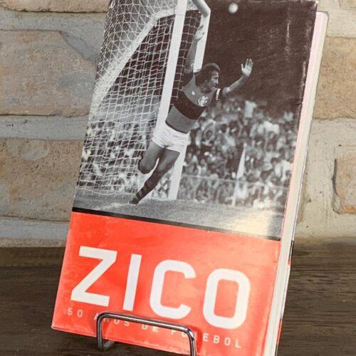Livro Zico 50 anos de futebol por Robert Assaf e Jorge Garcia